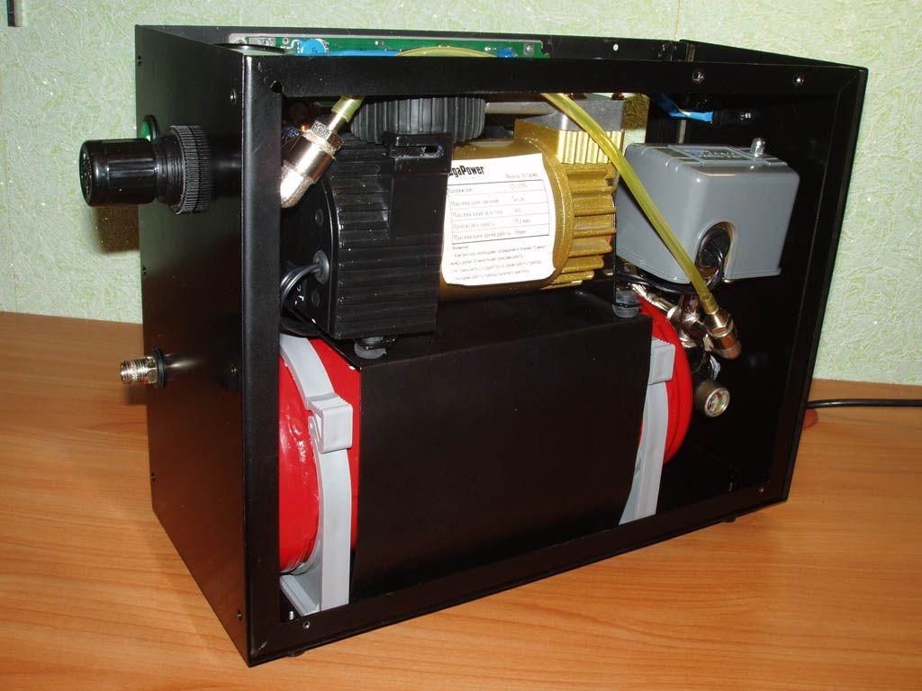 Бюджетный компрессор с ресивером и регулятором давления